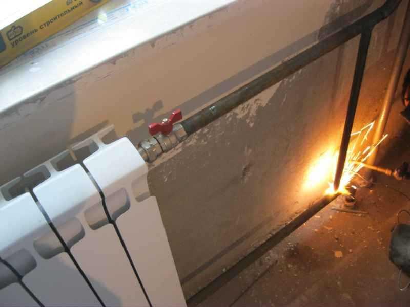 Замена радиатора отопления на сварке