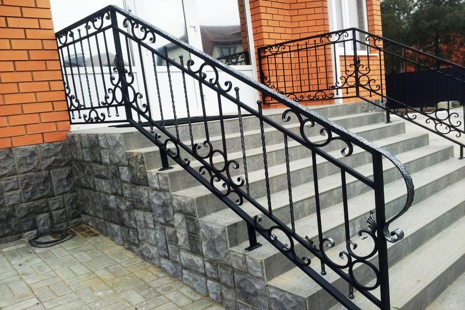 Сварные перила и ограждения для лестниц