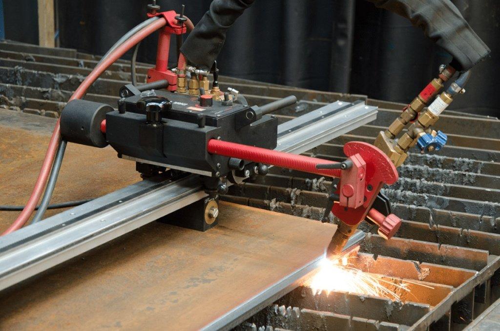 Оборудование тракторного типа может выполнять работу в полностью автоматическом процессе