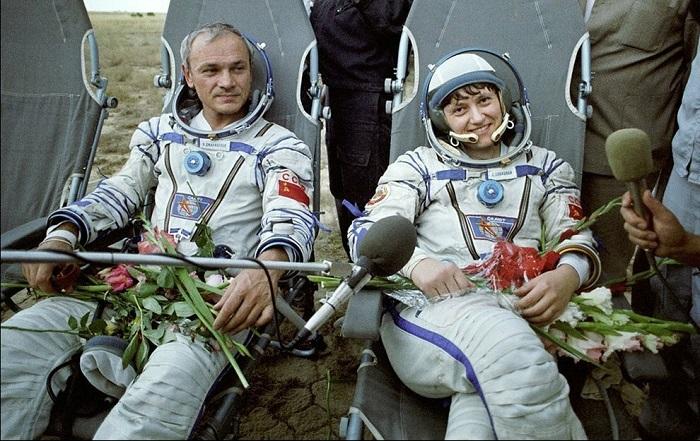 Первые космонавты, которые произвели сварку в космосе Владимир Джанибеков и Светлана Савицкая